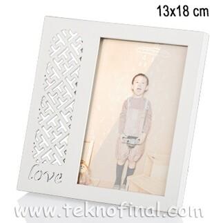 - Ahşap Love Desenli Krem Fotoğraf Çerçevesi 13x18