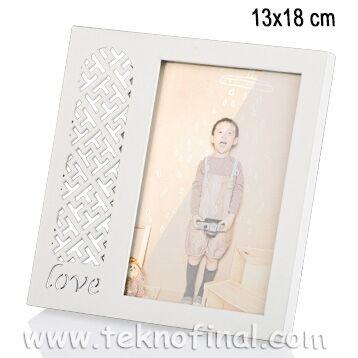 Ahşap Love Desenli Krem Fotoğraf Çerçevesi 13x18