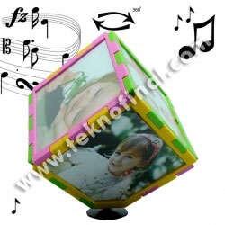 - Müzikli Renkli Dönen Küp Çerçeve 10x10 cm