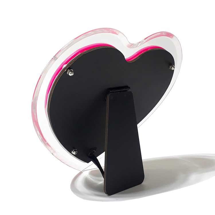 Pleksiglas Pembe Kalp Fotoğraf Çerçevesi