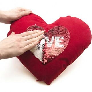 Best Hediye - Kırmızı Kalpli Sihirli Pullu Love Yastık (1)