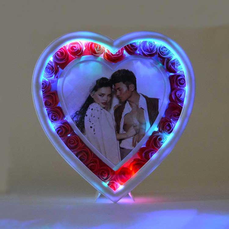 Led Işıklı Güllü Kalp Fotoğraf Çerçevesi - Thumbnail