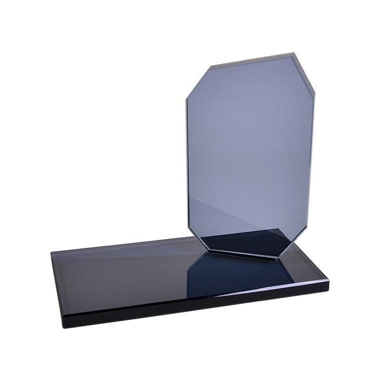 Kristal Masa İsimliği Plaket